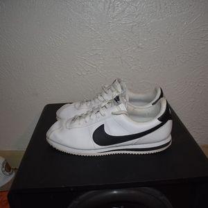 Nike Cortez sz 11